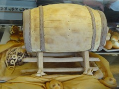 02 Barrel made of bread, with bread bunch of grapes at left bottom