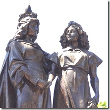 09 Statue in Plaza Colon, possibly Ferdinand & Isabella