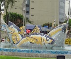 16 Tuna fountain in Manta