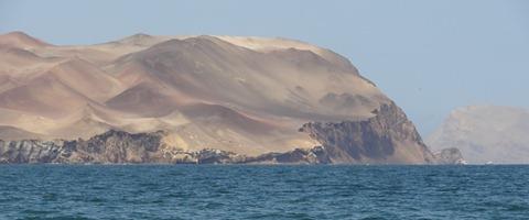 19 Desert cliffs near Ballastas