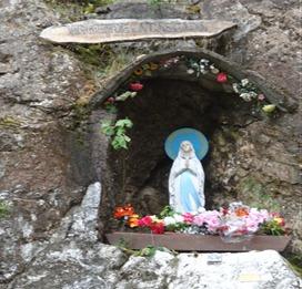 22 Virgen de la Cascada