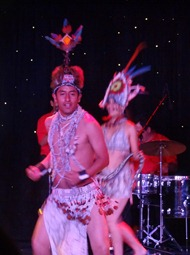 78 Peruvian folk dance show on Prinsendam