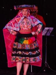 86 Peruvian folk dance show on Prinsendam