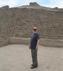90 Rick at Huaca Pucllana