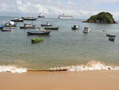 05 Buzios beach & ships