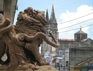 06 Cathedral seen from lion statue in Praca deLeoes