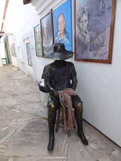 07 statue of fisherman