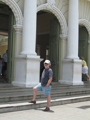 08 Rick outside Teatro Jose de Alencar