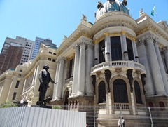 149 Opera House with statue of conductor