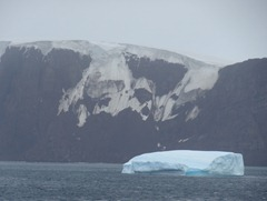 14 King George's Island (Isla 25 de Mayo in Argentina)