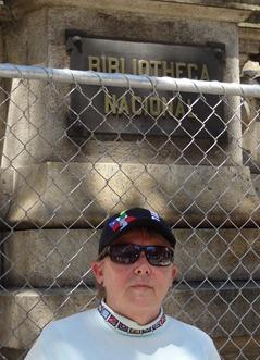 168 Mary in front of Biblioteca Nacional