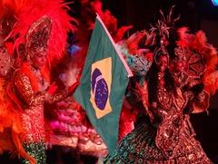 232 Brazilian Folklorica show on Prinsendam