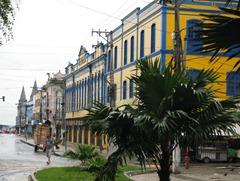 25 Street near old port