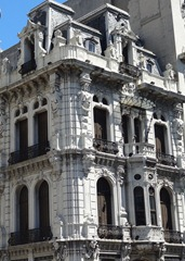 31 ornate bldg on Avenida 18 de Julio