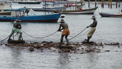 31 Statue of 3 fishermen