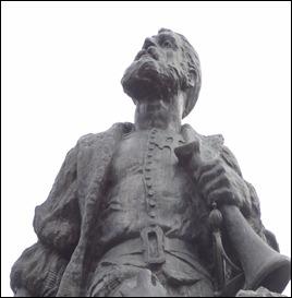 48 Magellan statue in Plaza de Armas