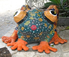 63 sculpture of frog