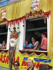 77 Olinda people in windows