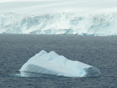 95 Iceberg with striations