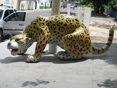 01 Panther statue