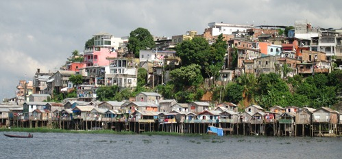 02 Manaus stilted houses