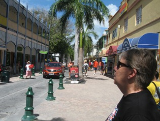 08 Mary on Philipsburg shopping street