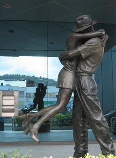 09 statue