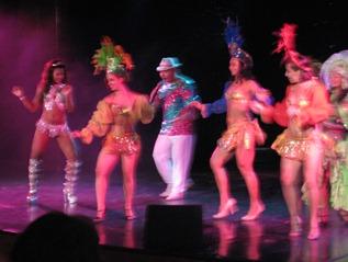 120 Amazonia Folklorico show