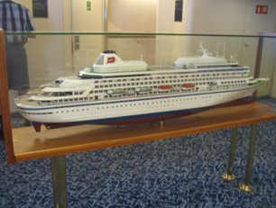 13 Ship model on 9th floor