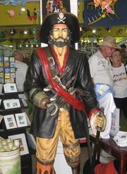 19 Statue of pirate