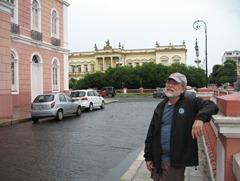 50 Rick at Teatro in front of Palacio da Justica