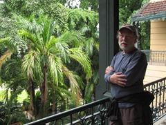 77 Rick by courtyard of Palacio Rio Negro