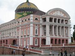 89 Front facade of Teatro Amazonas