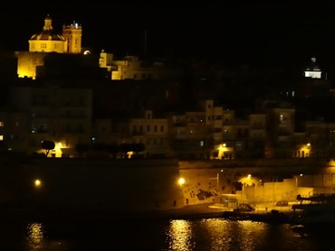 248. Malta Valleta  & Vitorioso by night from ship