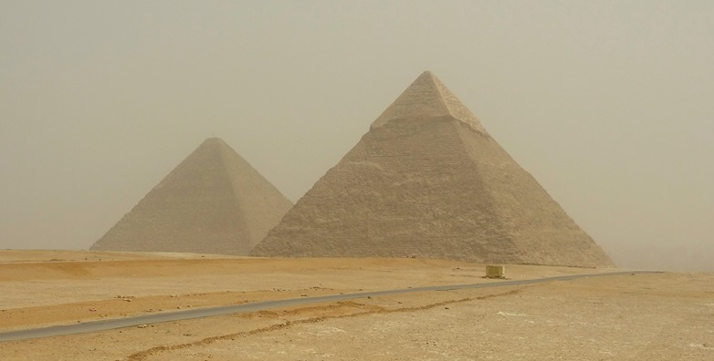 62.Giza (Pyramids)
