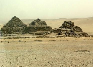 77a.Giza (Pyramids) Queens' pyramids