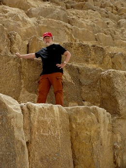 86.Giza (Pyramids)