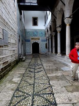 328. Istanbul Topkapi Palace 4-16