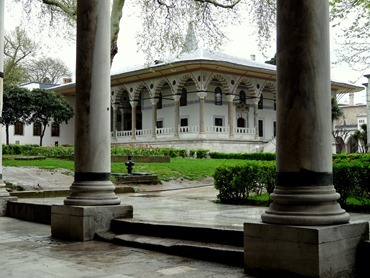386. Istanbul Topkapi Palace 4-16