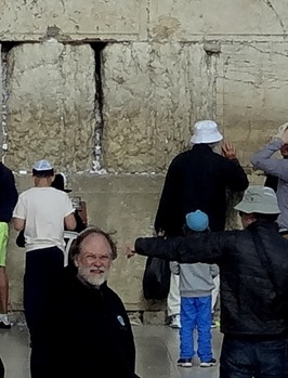 496b. Jerusalem Rick at the Wall close