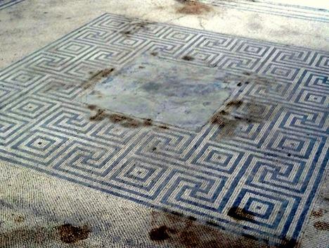 105. Pompeii