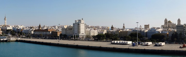 466b. Cadiz panorama from ship