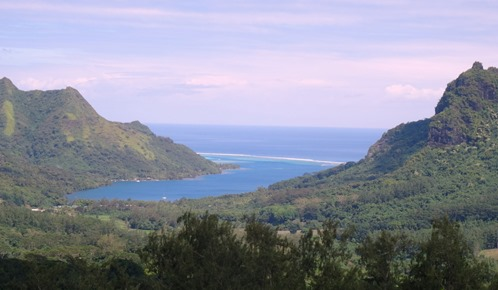 71.  Opunohu Bay, Moorea