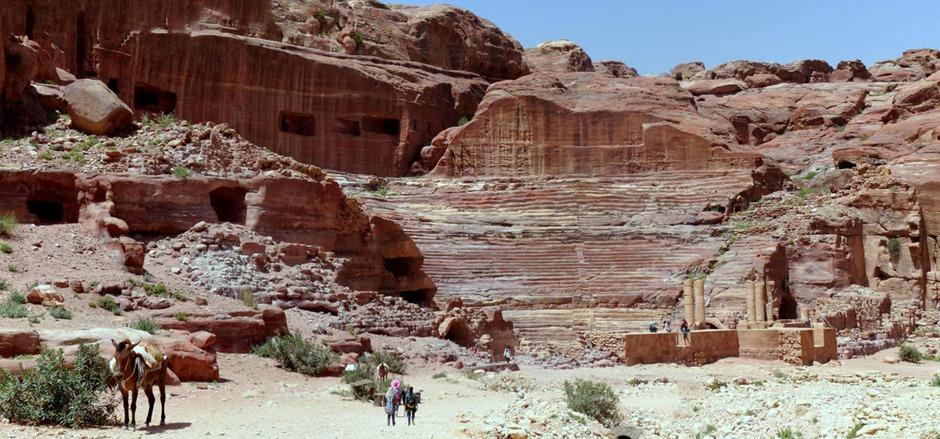 132a. al-Aqaba, Jordan (Petra & Wadi Rum)_stitch