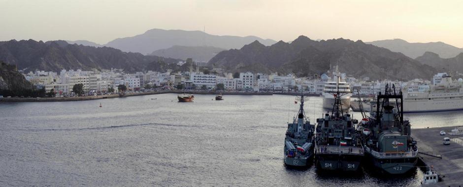217a. Muscat, Oman (sailaway)_stitch