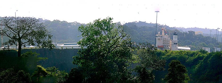 100b.  Panama Canal_stitch