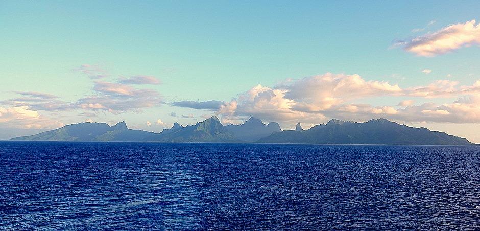 116. Opanuhu Bay, Moorea