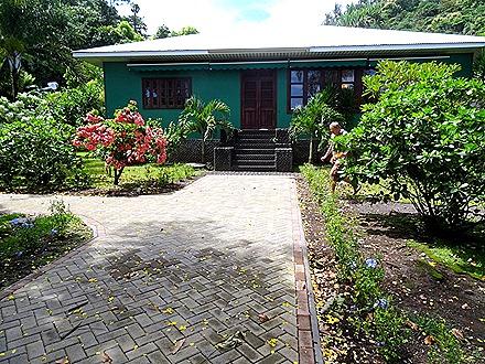 18. Tahiti