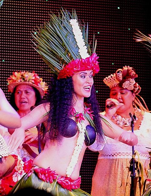 201. Tahiti Polynesian Show