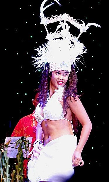 221. Tahiti Polynesian Show